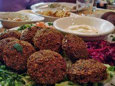 Ägyptische Falafel, ein sehr leckeres Rezept mit Bild aus der Kategorie Warm. 12 Bewertungen: Ø 3,6. Tags: Afrika, Ägypten, Fingerfood, Frittieren, Geheimrezept, Snack, Vegetarisch, Vorspeise, warm