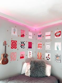 VSCO® is a creative channel. We build creative tools, spaces, and connections driven by self-expression. Cute Room Ideas, Cute Room Decor, Teen Room Decor, Room Ideas Bedroom, Bedroom Decor, Bedroom Inspo, College Room Decor, Photo Deco, Bedroom Wall Collage