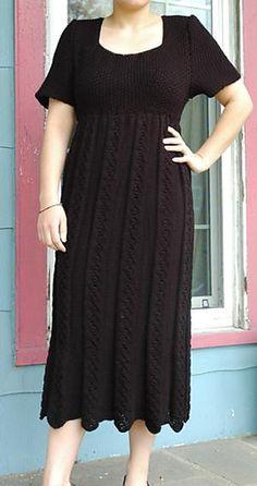 Empirekjole. Dejlig kjole, der falder godt. Den findes kun i str 38/40, men er let at gøre større eller mindre. Også flatterende til store piger. Her i bomuld/viskose. Str 2½.