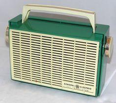 Vintage General Electric Musaphonic Transistor Radio, Model Broadcast Band Only, 5 Transistors, Made In USA, Circa 1958 Radios, Le Radio, Poste Radio, Radio Design, Old Time Radio, Antique Radio, Transistor Radio, General Electric, Old Tv