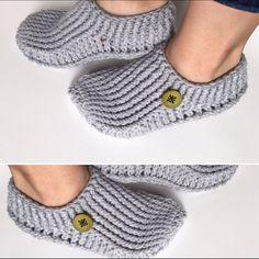Ready to ship/ Crochet Slippers/ soft slippers/ от VaneJCreations Easy Crochet Slippers, Knit Slippers Free Pattern, Crochet Slipper Pattern, Soft Slippers, Crochet Patterns, Crochet Men, Crochet Boots, Art Minecraft, Puff Stitch Crochet
