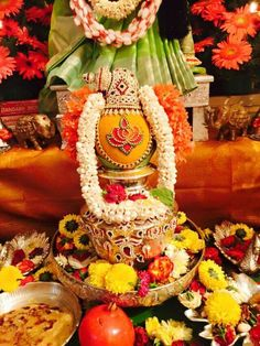 Varalakshmi Vratham 2019 honours the most popular Goddess Maha Lakshmi. Varalakshmi Puja or homam on this day means abundant wealth is sure to come your way. Kalash Decoration, Thali Decoration Ideas, Diwali Decorations, Festival Decorations, Flower Decorations, Mandir Decoration, Decor Wedding, Wedding Colors, Wedding Decorations