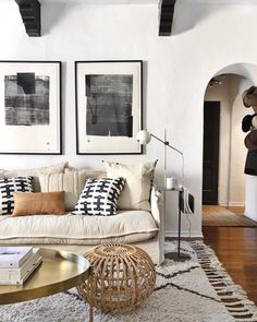 Cozy living room in neutral, Black and white