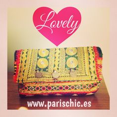 Probablemente uno de los bolsos más bonitos que tenemos ahora en la tienda online....os gusta? ❤️❤️❤️❤️ @beparischic  #lovely #banjara #india #clutch #lovelyclutch #ethnic #trendy #inlove #instastyle #instafashion #outfit #style #fashion #gypsy #handmade #blog #blogger