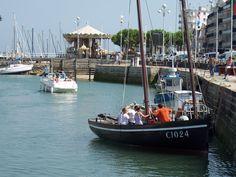 """""""Poulligwen"""", le sardinier du Pouliguen, fait revivre l'ancienne tradition de ce  port breton autrefois trés actif, qui arma à la pêche baleinière."""