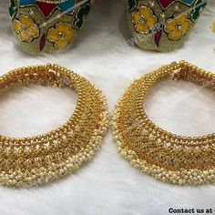 From huge statement artists to really delicate cords and single to really twofold portions, females' anklets come in many varieties. Headpiece Jewelry, Wedding Jewelry, Silver Jewellery Indian, Temple Jewellery, Jewellery Box, Jewellery Display, Anklet Designs, India Jewelry, Silver Jewelry