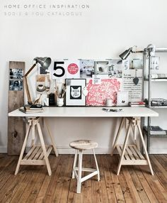 Workspace. wood on left for pihoto display