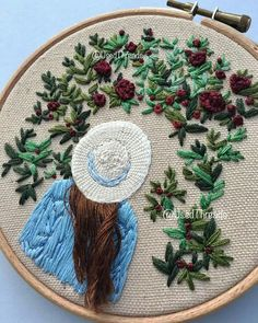 Embroidery Flowers Pattern, Simple Embroidery, Hand Embroidery Stitches, Embroidery Hoop Art, Hand Embroidery Designs, Beaded Embroidery, Cross Stitch Embroidery, Sewing Stitches, Broderie Simple
