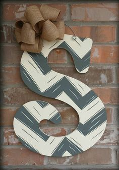 ideas for painting wooden letters best 25 painted letters Wood Letters Decorated, Painting Wooden Letters, Painted Letters, Hand Painted, Letter Door Hangers, Door Letters, Wooden Door Hangers, Kids Letters, Wood Crafts