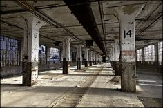 Abandoned Ships, Abandoned Houses, Abandoned Places, Industrial Architecture, Art And Architecture, Warehouse Design, Underground Cities, Urban Setting, City Aesthetic