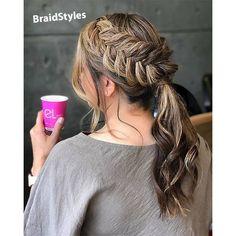 شینیون -بافت هلندی دم اسبی Chignon Hair, Dreadlocks, Hair Styles, Beauty, Hair Plait Styles, Hair Makeup, Hairdos, Haircut Styles, Dreads