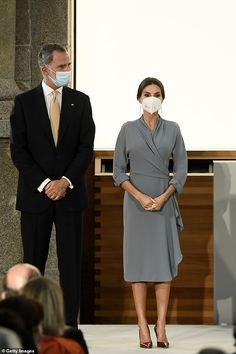 Spanish Royalty, Spanish Royal Family, Royal House, Queen Letizia, Prado, Royal Fashion, Wrap Dress, Culture, Formal