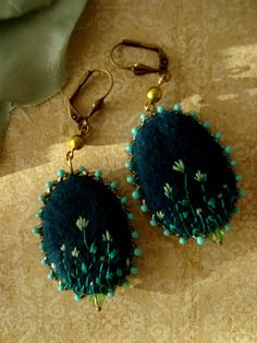 Felt earrings Miss Lavish by filzgood