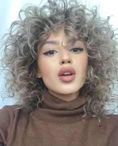 (notitle) Sure, the bushy perms of the might be out of vogue, but there are plentitude of hair p Curly Hair Tips, Short Curly Hair, Curly Girl, Curly Hair Styles, Natural Hair Styles, Permed Hairstyles, Pretty Hairstyles, Big Hair, Hair Day