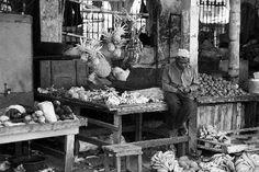 Black&white market