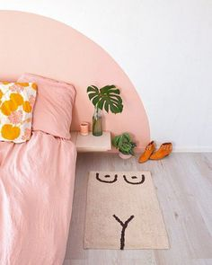 Not the rug but the painted headboard // cold picnic rug // pink bed Home Bedroom, Bedroom Decor, Bedroom Table, Bedroom Ideas, Bedrooms, Narrow Bedroom, Sweet Home, New Room, Home Decor Inspiration