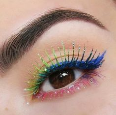 colorful-eye-makeup-2 14 Makeup Trends to Be More Gorgeous in 2017