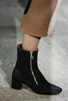 Marc Jacobs Fall 2014 Ready-to-Wear Fashion Show Details
