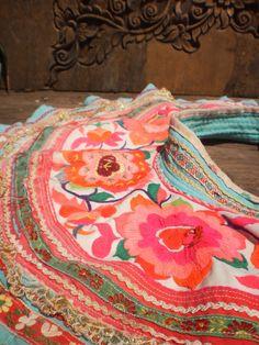 Hmong Textile Vintage Embroided Collar par KulshiMumkin sur Etsy, $20.00
