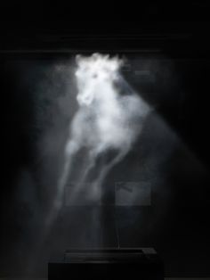 banks violette (projection on water vapour)