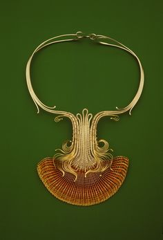 Mary Lee Hu, Choker #38, fine and sterling silver, 18 and 24-karat gold, lacquered copper, 1978. collection: Renwick Gallery, Smithsonian.