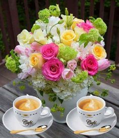 Good Morning Beautiful Flowers, Good Morning Roses, Beautiful Rose Flowers, Good Morning Picture, Morning Pictures, Good Morning Images, Sweet Coffee, Coffee Love, Good Morning Coffee Gif