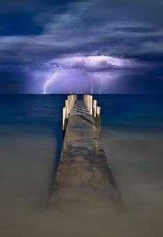 A recent lightning storm directly out in front of the Quindalup Boat Ramp/Jetty in Dunsborough, Western Australia All Nature, Amazing Nature, Science Nature, Fuerza Natural, Cool Pictures, Cool Photos, Flora Und Fauna, Tornados, Thunderstorms