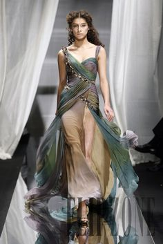 Romantic Soft Multi-Colored Evening Gown - Zuhair Murad Fall-winter 2007-2008 - Couture - http://www.flip-zone.net