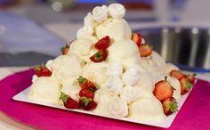 """""""Detto Fatto"""": la ricetta della piramide di fragole e yogurt di Domenico Spadafora del 6 ottobre 2016."""