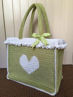 Crochet with Kate: FREE Shopper Tote tutorial on the LoveCrochet blog ༺✿ƬⱤღ✿༻