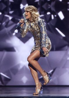 The country crooner looks better than ever -- and we can't get enough of her toned figure and stellar sense of style. Carrie Underwood Legs, Carrie Underwood Pictures, Country Girls, Country Music, Country Singers, Killer Legs, All American Girl, Stage Outfits, Sexy Legs