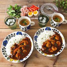 makoさんはInstagramを利用しています:「❁ おはようございます☺︎ 今朝はアボカド&タマゴのオープンサンドで簡単朝ごはん☺︎ 連休最終日💦なんだか忙しくあっという間に終わりです(꒦ິ⌑꒦ີ) 今日は絶対にのんびり過ごそうと思います♡ コメントお休みします🙏🏻…」 Food Plating, Chana Masala, Kitchen Tools, Curry, Plates, Meals, Tableware, Ethnic Recipes, Instagram