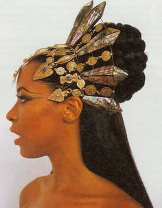 "thehereticpharaoh: "" Aaliyah as the fictional Queen Akasha of Kemet in the 2002 film Queen of the Damned. """