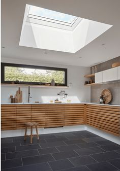 The Health and Wellbeing Benefits of Home Renovations with VELUX Roof Windows - how you can be happier in your home by increasing the daylight, adding better ventilation and improving space with a kitchen extension Home Remodeling Diy, Home Renovation, Diy Skylight, Skylights, Single Storey Extension, Modern Roofing, Roof Window, Bright Homes, Minimalist Home