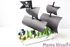 Piratenschiff aus Eierkarton basteln