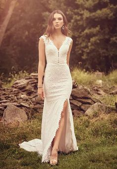 All-over lace gown with v-neckline and slit on the side available off-the-rack at Silk Bridal Studio. Lillian West, Sheath Wedding Gown, Maxi Dress Wedding, Bohemian Wedding Dresses, Bridal Gowns, Auburn, Justin Alexander, Tulle, Bohemian