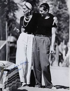 Coco Chanel and Serge Lifar - 1937 - Lido Beach, Venice - Photo by Jean Moral Be . - Coco Chanel and Serge Lifar – 1937 – Lido Beach, Venice – Photo by Jean Moral Visit our shop - Look Retro, Look Vintage, Vintage Mode, 1930s Fashion, Retro Fashion, Vintage Fashion, Petite Fashion, Fashion History, Fashion Tips