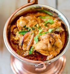 Chicken Korma, an aromatic authentic mild Indian Chicken curry cooked with spices, yogurt and a hint of cream. Served with Basmati Rice or Naan for a restaurant-style Indian Chicken Curry Dinner, i. Best Indian Chicken Recipe, Indian Chicken Dishes, Indian Food Recipes, Indian Foods, Indian Meal, Butter Chicken, Chicken Curry, Chicken Karahi, Chettinad Chicken