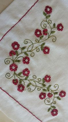 Wonderful Ribbon Embroidery Flowers by Hand Ideas. Enchanting Ribbon Embroidery Flowers by Hand Ideas. Ribbon Embroidery Tutorial, Embroidery Flowers Pattern, Learn Embroidery, Hand Embroidery Stitches, Silk Ribbon Embroidery, Crewel Embroidery, Hand Embroidery Designs, Machine Embroidery, Embroidery Ideas