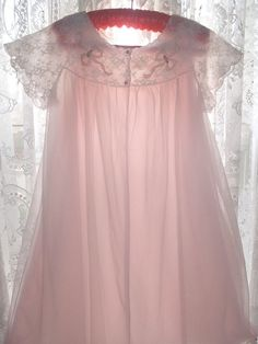 VINTAGE RADCLIFFE SHEER PINK NYLON LACE GOWN NIGHTIE ROBE PEIGNOIR SZ SMALL #Radcliffe