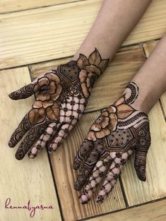 Henna Design on Palm Images Gallery - Henna Design on Palm Picture Gallery For Girl with Cute Design. new best henna design with various cute henna Rose Mehndi Designs, Indian Mehndi Designs, Modern Mehndi Designs, Mehndi Designs For Girls, Mehndi Design Pictures, Wedding Mehndi Designs, Mehndi Designs For Fingers, Beautiful Henna Designs, Latest Mehndi Designs