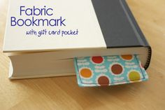 Zaaberry: TUTORIAL: Fabric Bookmark with Pocket
