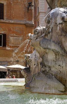 Rom, Piazza della Rotonda, Brunnen von Giacomo della Porta (fountain)
