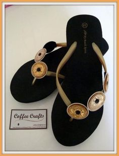 21376eeab57ecdbbbb1ff9965be1aa22 Wire Crafts, Jewelry Crafts, Coffee Crafts, Craft Club, Coffee Pods, Bijoux Diy, Recycled Art, Pretty Shoes, Jewelery