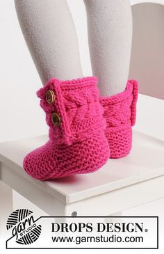 Ever since I first happened upon DROPS Design Free Patterns, our collection of Free Knit Boot Slippers and Free Crochet Boot Slippers have been a favorite of our readers. Recently, I've gotten several requests for similar children's slippers. I guess with Christmas and cold weather just around the corner that makes sense I went back to DROPS …