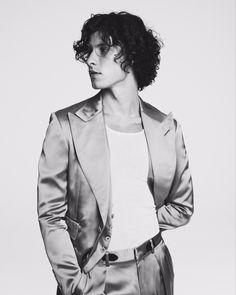 Shawn Mendes Wallpaper, Shawn Mendes Imagines, Vman Magazine, Shawn Mendes Photoshoot, Shawn Mendes Hair, Shawn Mendas, Chon Mendes, Mendes Army, Celebrity Crush