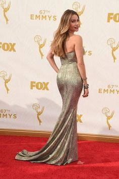 Sofia Vergara stuns in a custom #StJohnKnits dress at the 67th Emmys Awards.