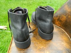 Union made in the U.S.A. (UFCW). Gently used / Very good condition. Insides of boots look great, nice and clean (the shoes look barely used, to be honest with you). US Men Size: 12 A. They are sold in the original condition.   eBay!
