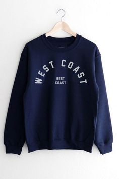 Ideas For Sweatshirt Outfit Oversized College Earl Sweatshirt, Sweatshirt Outfit, Crew Neck Sweatshirt, Sweat Shirt, Cute Sweatshirts, Hoodies, Sweatshirts Vintage, Vintage Crewneck Sweatshirt, Teen Fashion