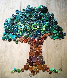 buttons .... A button tree! My aunt needs to see this. She loves working with buttons. If I can get her on pinterest. :/